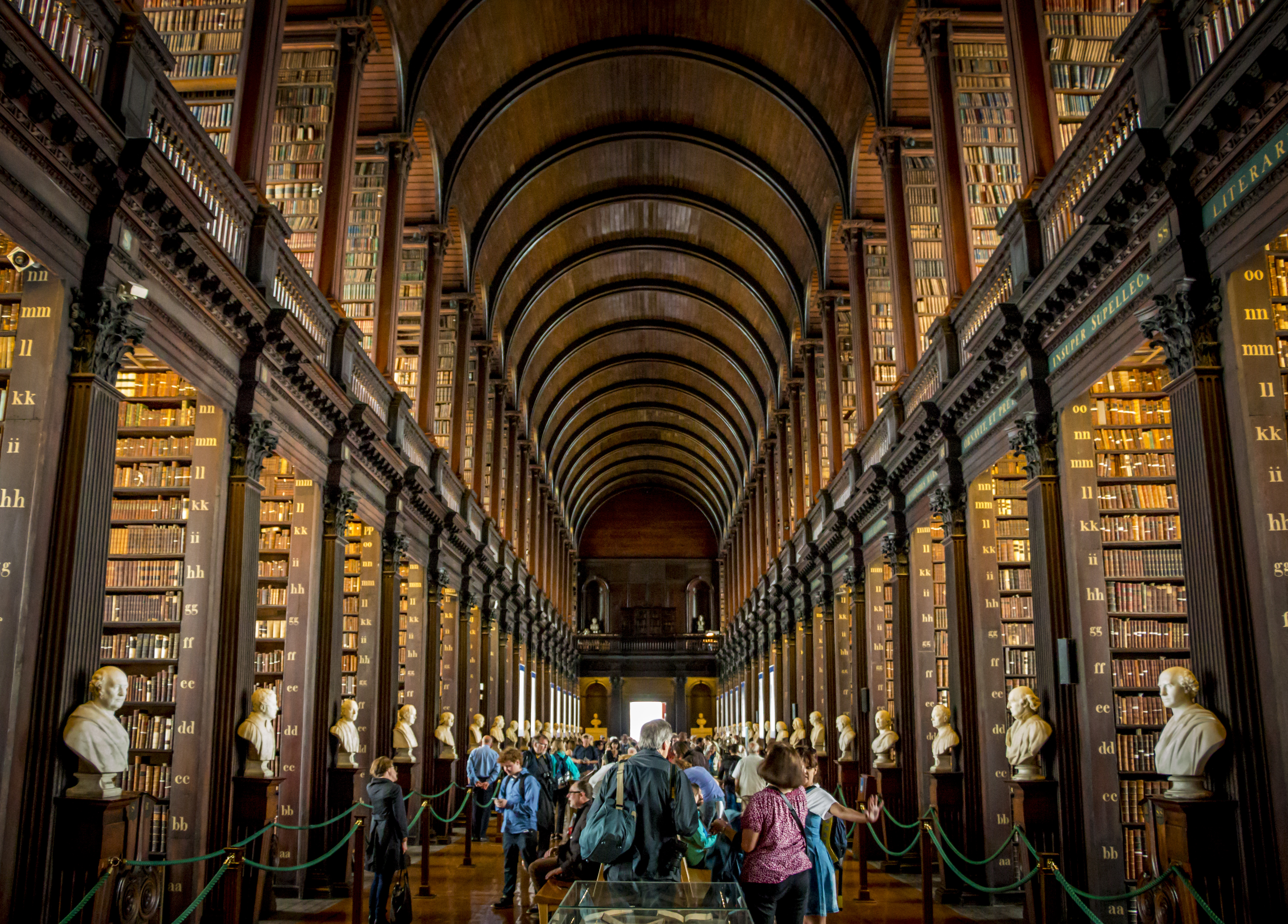 Library-long-room-Trinity-College-Dublin.jpg